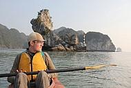 Chèo Kayak Khám Phá Vịnh Lan Hạ